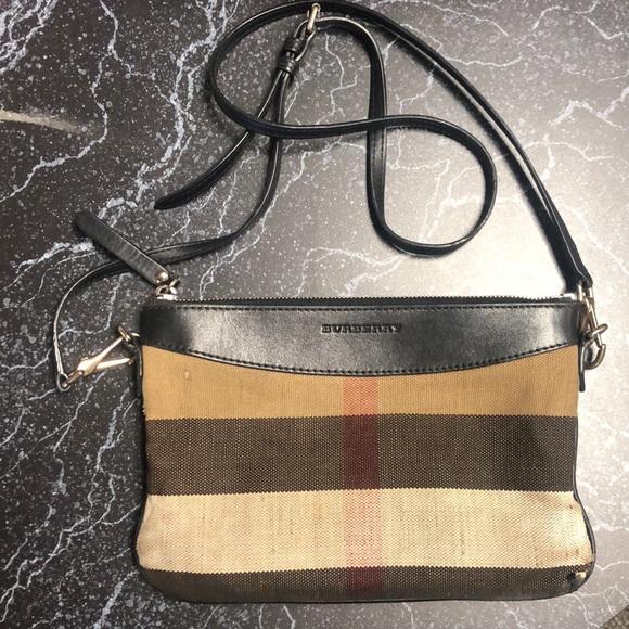 129792d6b624 Burberry Bags | Crossbody Purse | Poshmark